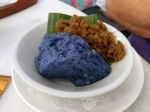 Pulot Enti Kelapa (Glutinous Rice with Gula Melaka Coconut)