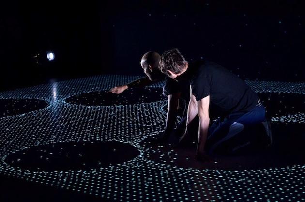 Dance-digital-projections-Feel-desain-Adrien-M-Claire-B08