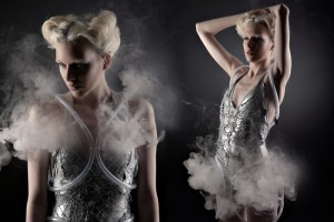 smoke-dress-by-aduen-darriba-anouk-wipprecht-03-aduen-darriba-anouk-wipprecht-photo-robert-lunak