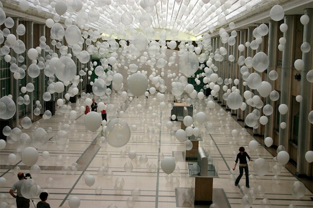 Scattered Crowd by William Forsythe