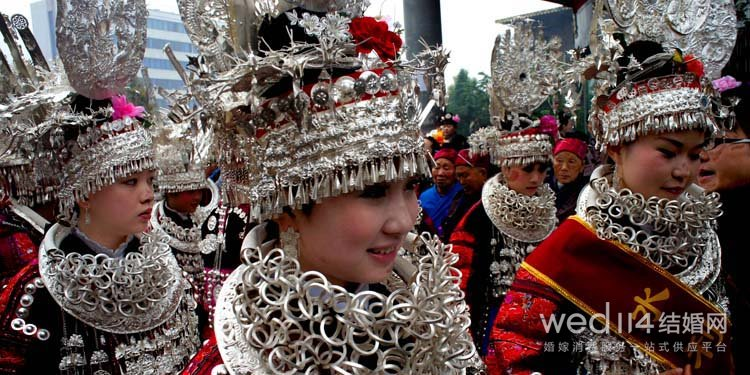 Miao girls during a Miao style wedding image source: http://www.wed114.cn/baike/z4017.html last access 1st September 2016