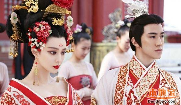 Wu Zhaoyi on the ceremony day of entitlement from drama Empress of China image source: http://cd.bendibao.com/gouwu/2015116/67408_4.shtm last access 6th September 2016