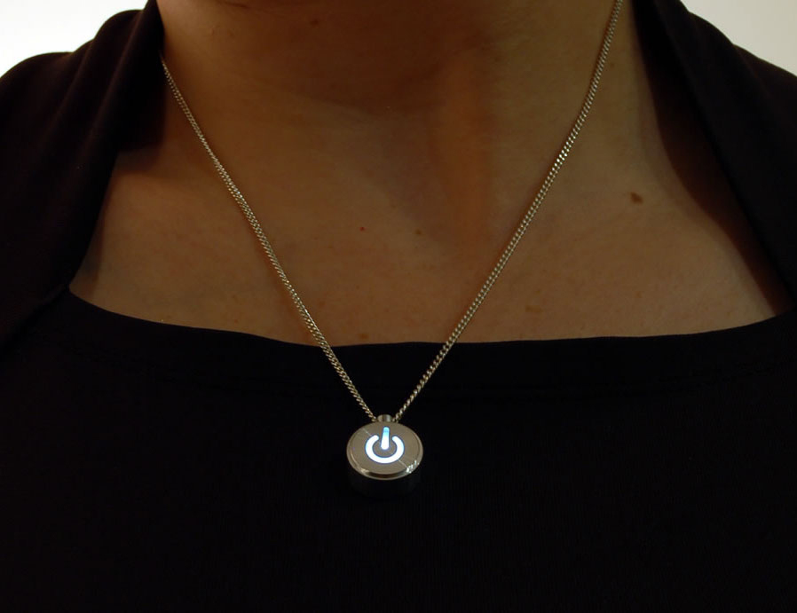 image source: http://www.bitrebels.com/technology/inecklace-win-her-heart-with-a-pulsating-led-open-source-necklace/ last access 15th Oct 2016