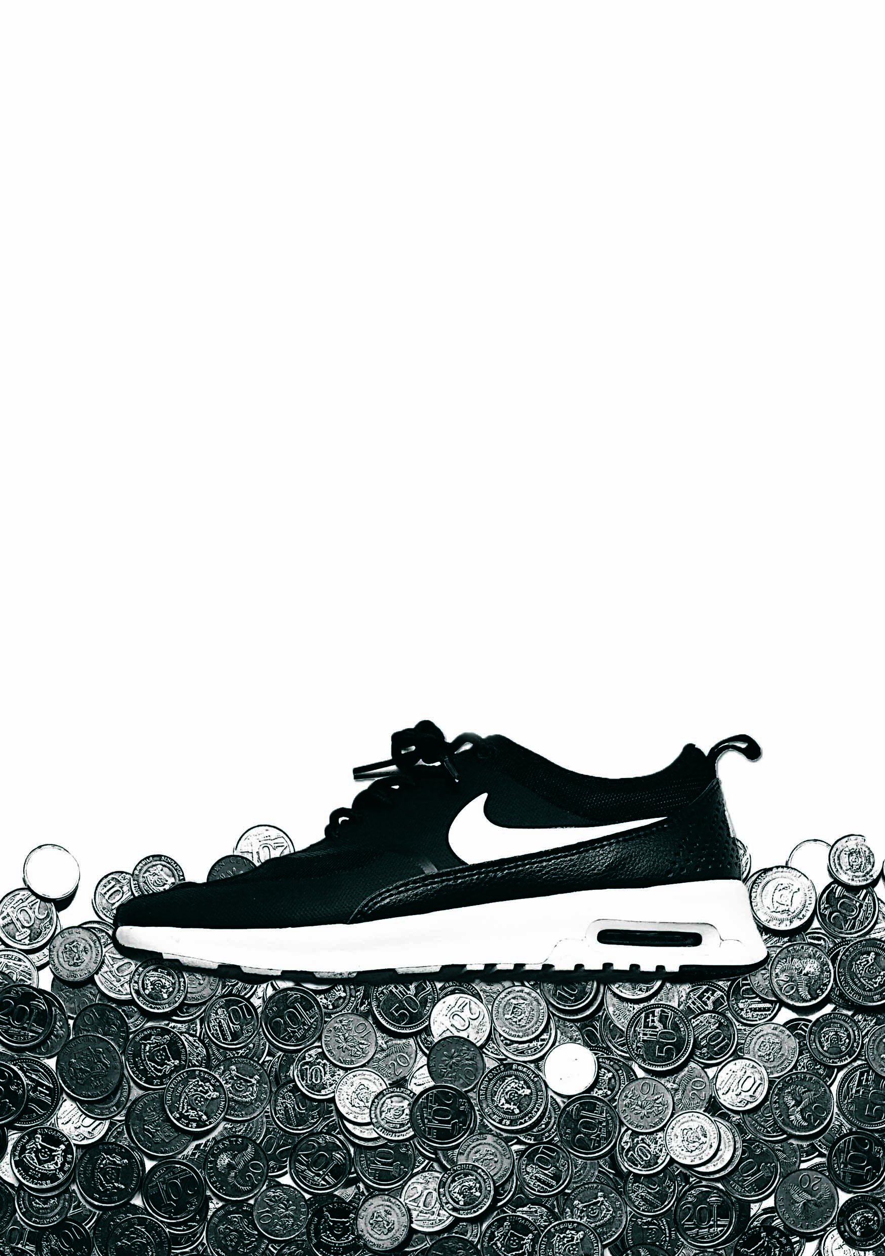 essays on nike sweatshops Case study: nike: the sweatshop debate 1) should nike be held responsible for working condition in factories that it does not own, but where sub.